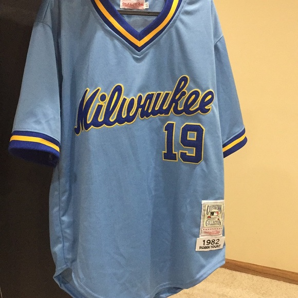 premium selection 4bd89 044ce Milwaukee Brewers Robin Yount jersey size 46 NWT
